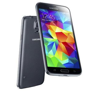 Samsung Galaxy S5 Big, Brash Android vs Slight, Beautiful iPhone   Which one are you?